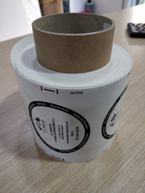 etiquetas adhesivas en bovina
